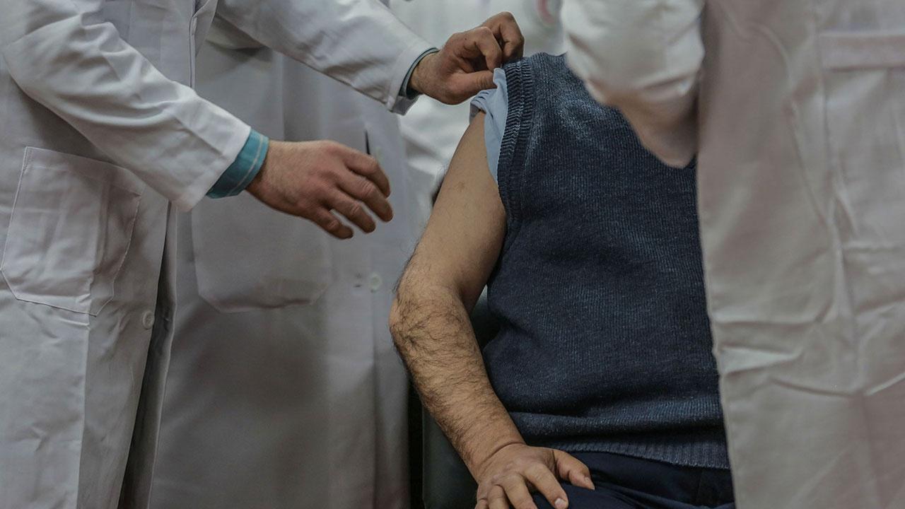 Выяснилось, сколько в Узбекистане пунктов вакцинации против гриппа