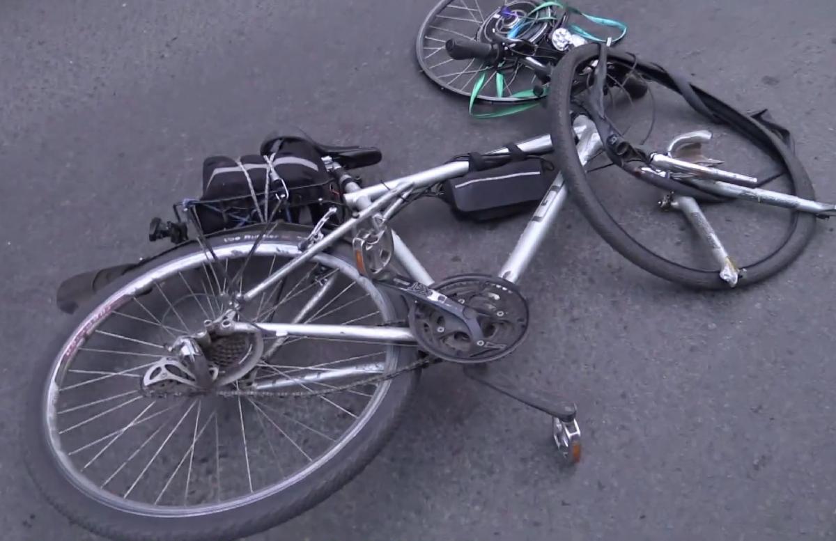 В Сырдарье невнимательный водитель насмерть сбил велосипедиста