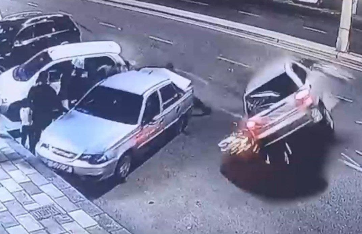 В Ташкенте Matiz влетел в нескольких пешеходов — видео