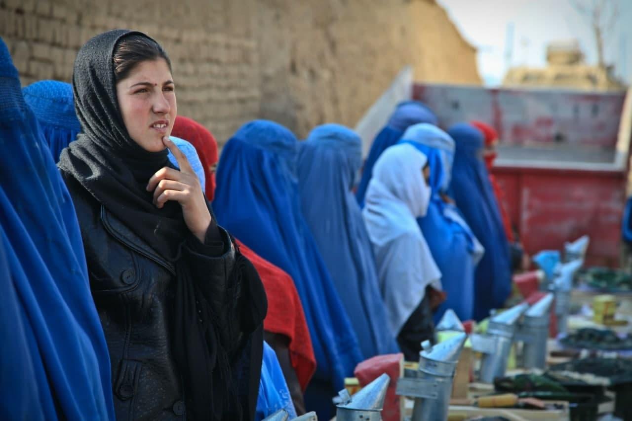 Афганская комиссия по правам человека обвинила талибов в притеснении женского населения