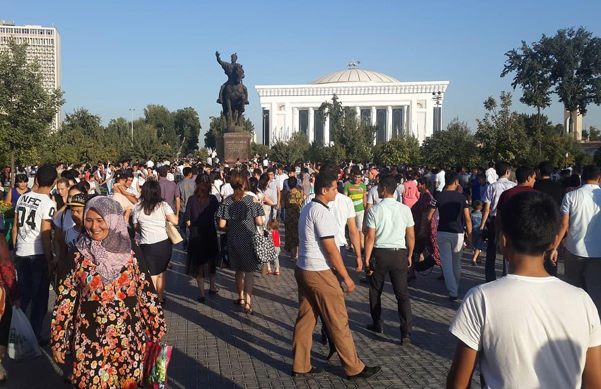В Узбекистане подсчитали количество женщин и мужчин