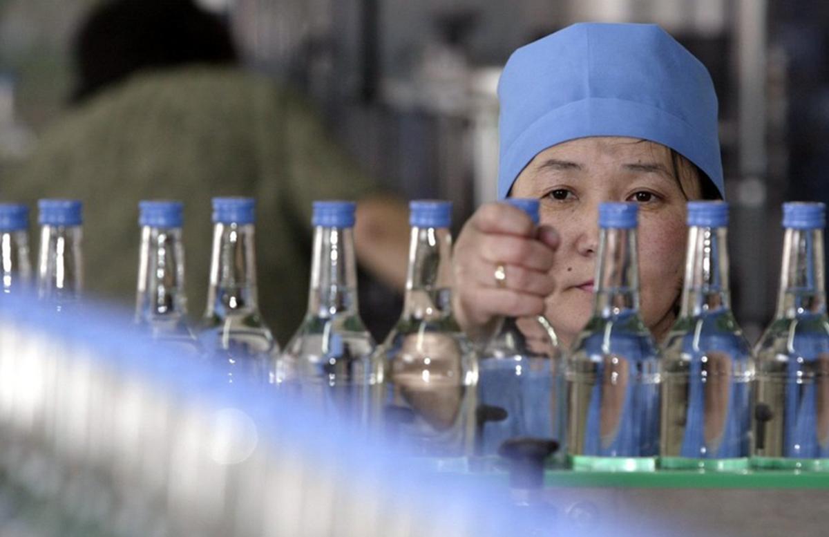 В Узбекистане усилят контроль за производством табачной и алкогольной продукции