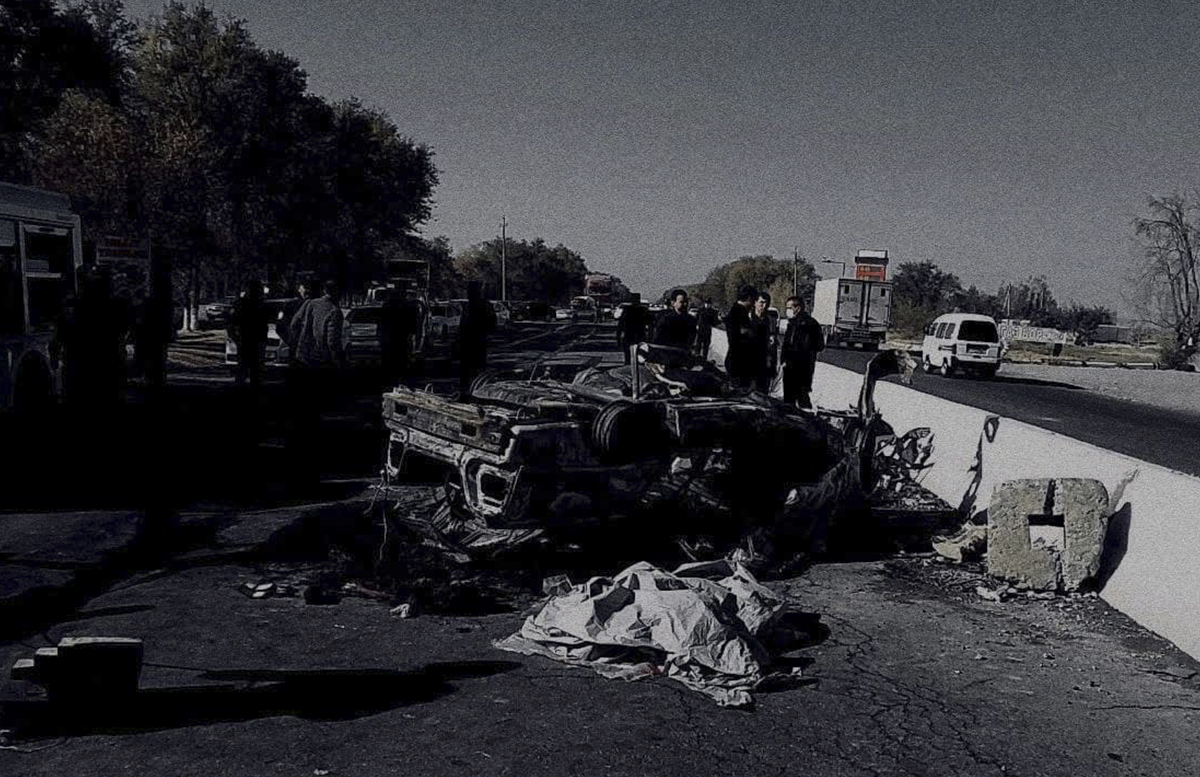 В Самарканде Nexia вспыхнула врезавшись в бетонное ограждение: есть погибшие