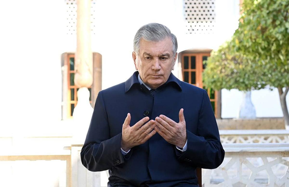 Шавкат Мирзиёев направился в Бухару
