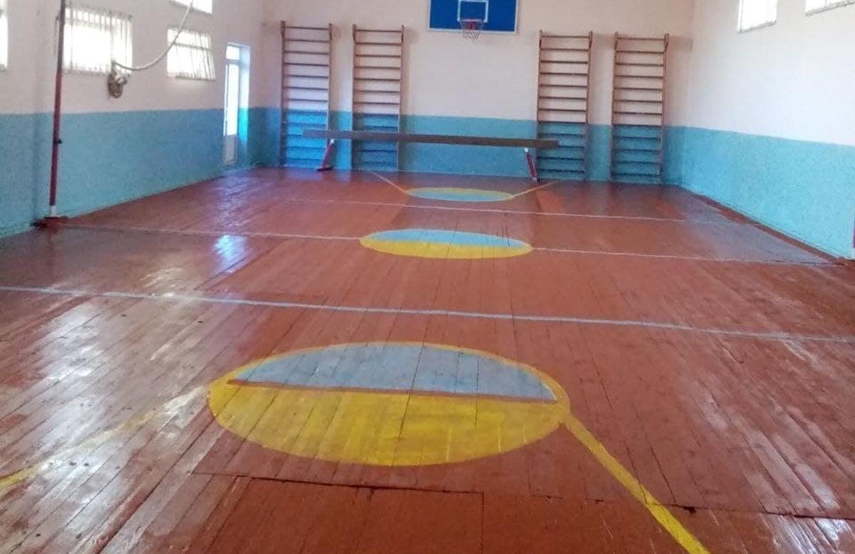 В одной из школ Кашкадарьи все же отремонтировали спортзал
