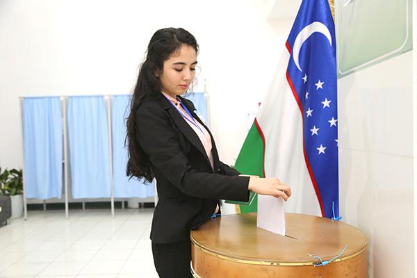 Выяснилось, будут ли регулировать работу блогеров на выборах президента Узбекистана