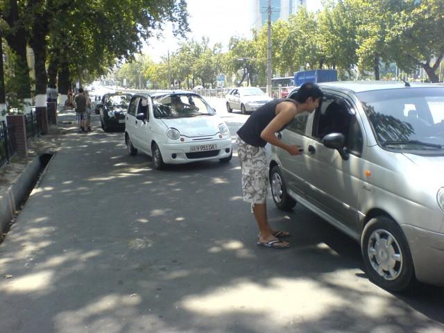 В Узбекистане физлицам без ИП могут разрешить таксовать