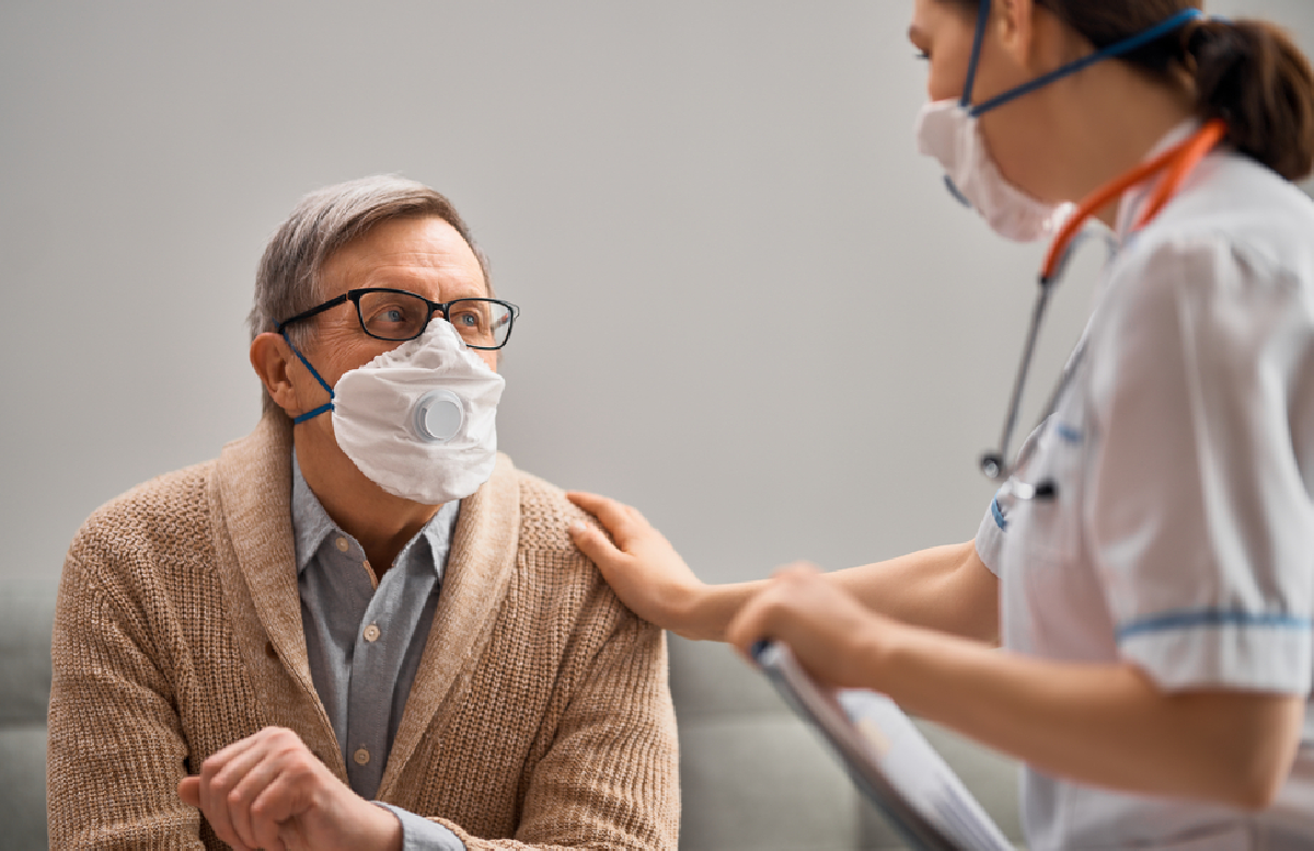 Врач-дерматолог рассказала о нетипичном симптоме коронавируса