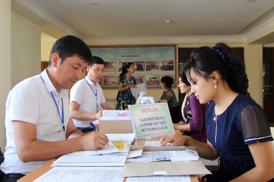 В Узбекистане продлили время оплаты вступительных тестов в вузы