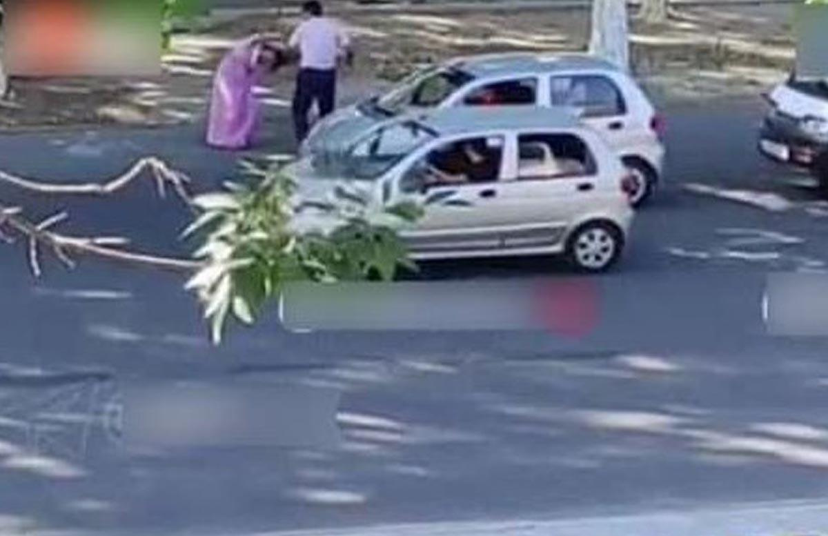 В Ташкенте мужчина избил свою жену и потаскал ее за волосы на глазах у прохожих — видео