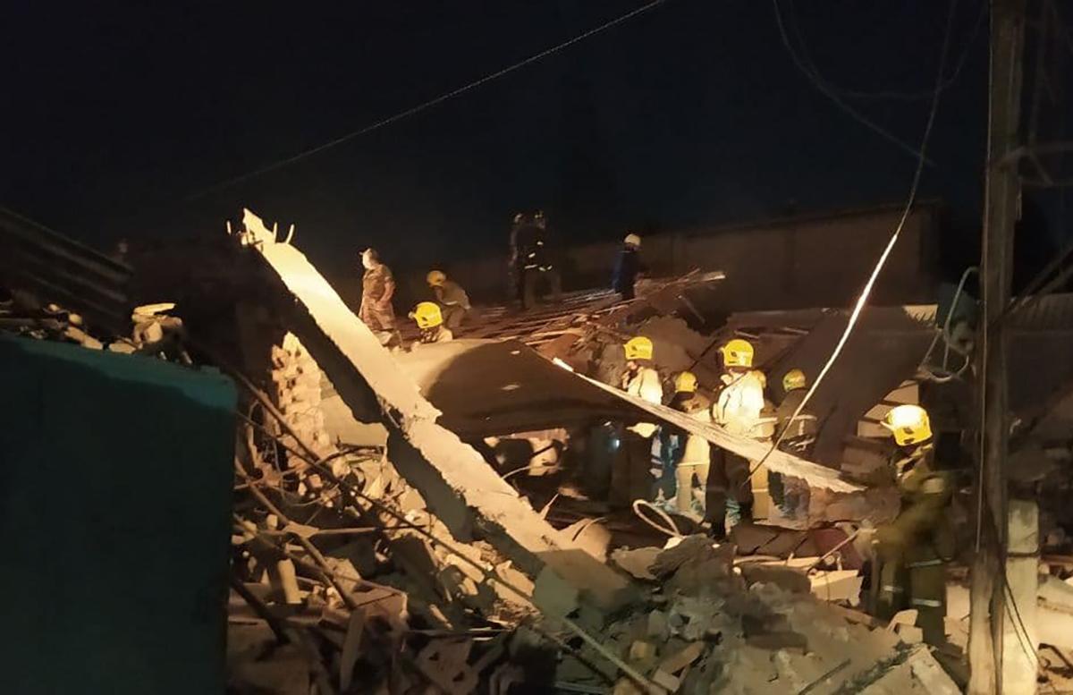 В Сергелийском районе столицы взорвался склад: есть пострадавшие