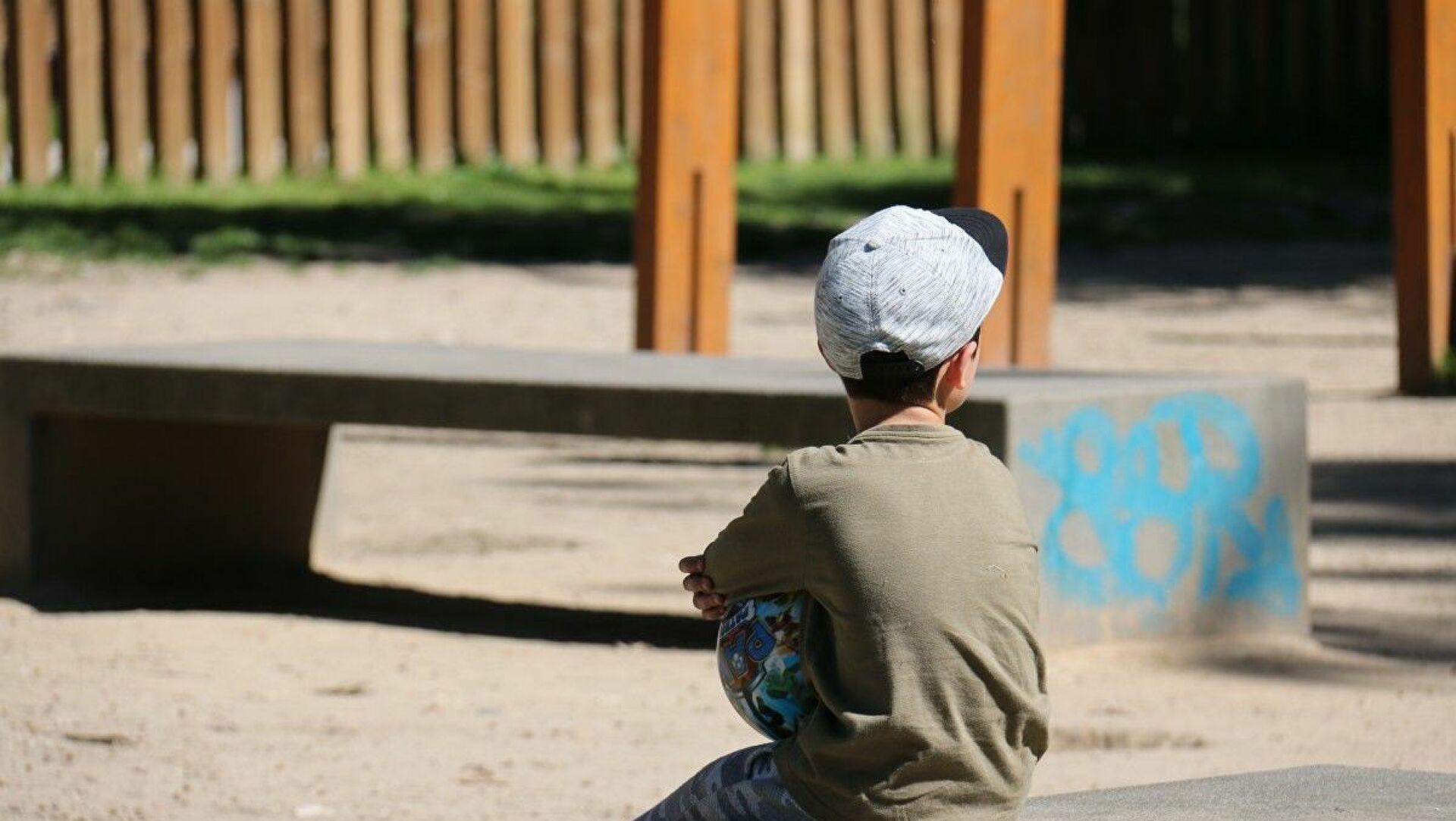 В Ташкенте женщина осталась на улице с 7-летним ребенком