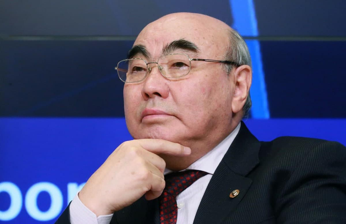 Аскар Акаев сам вызвался приехать в Бишкек и дать показания, — Феликс Кулов