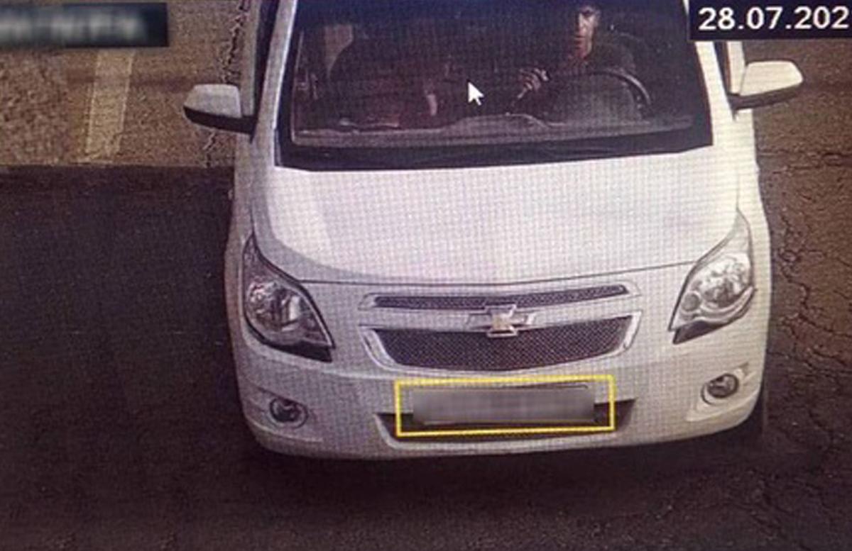«Сбежал не в ту сторону»: В Намангане задержали угонщика авто прямо у ОВД