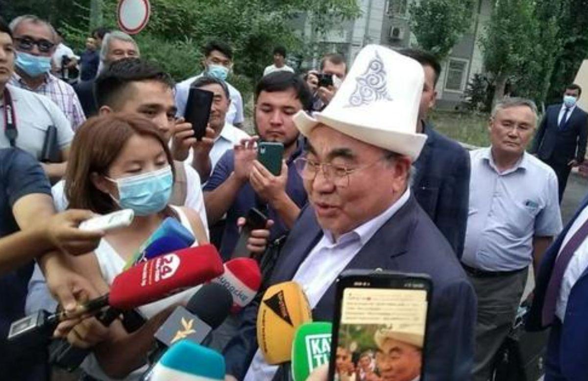Экс-президент Киргизии Аскар Акиев раскрыл подробности допроса в ГКНБ
