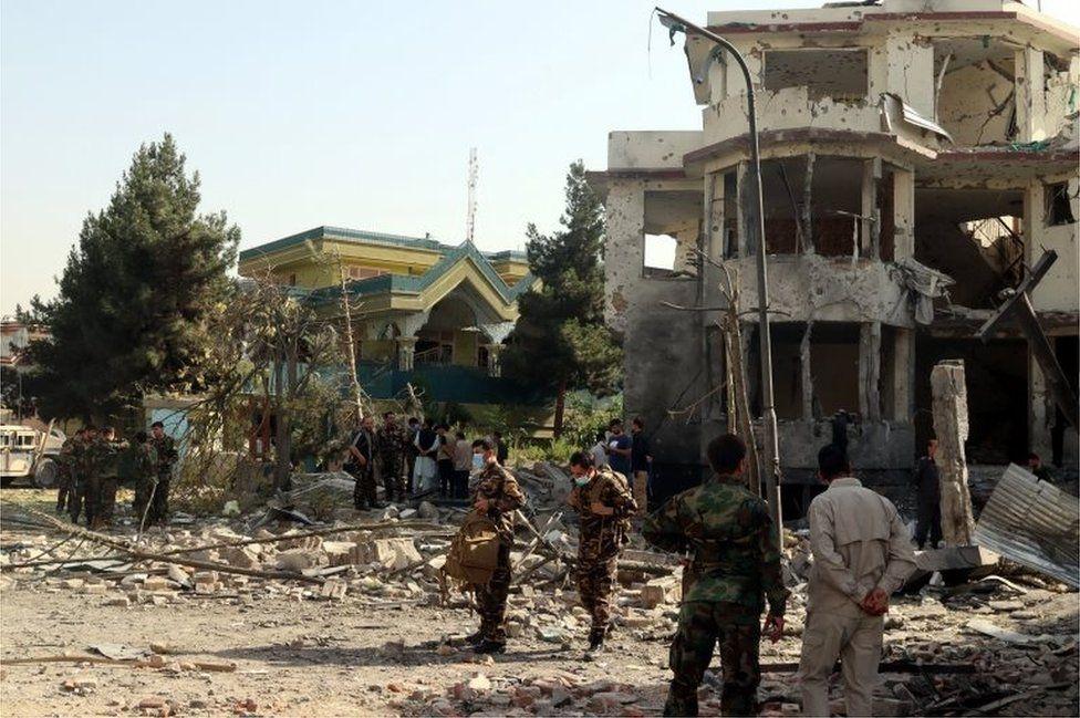Талибы атаковали дом министра обороны Афганистана