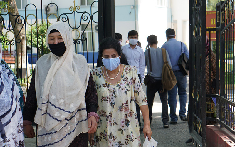 В Узбекистане за сутки выявили еще 923 случая COVID-19