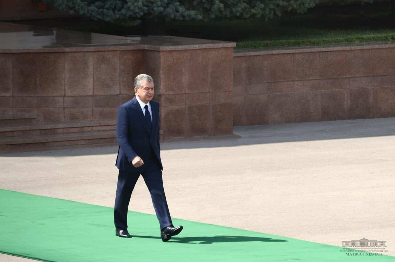 Шавкат Мирзиёев отбыл в Туркменистан