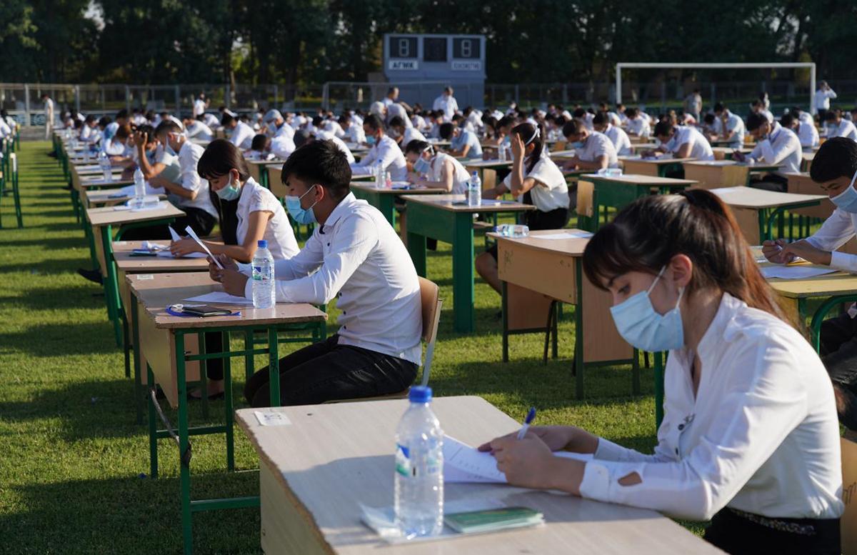 В Узбекистане начались первые тестовые испытания в вузы