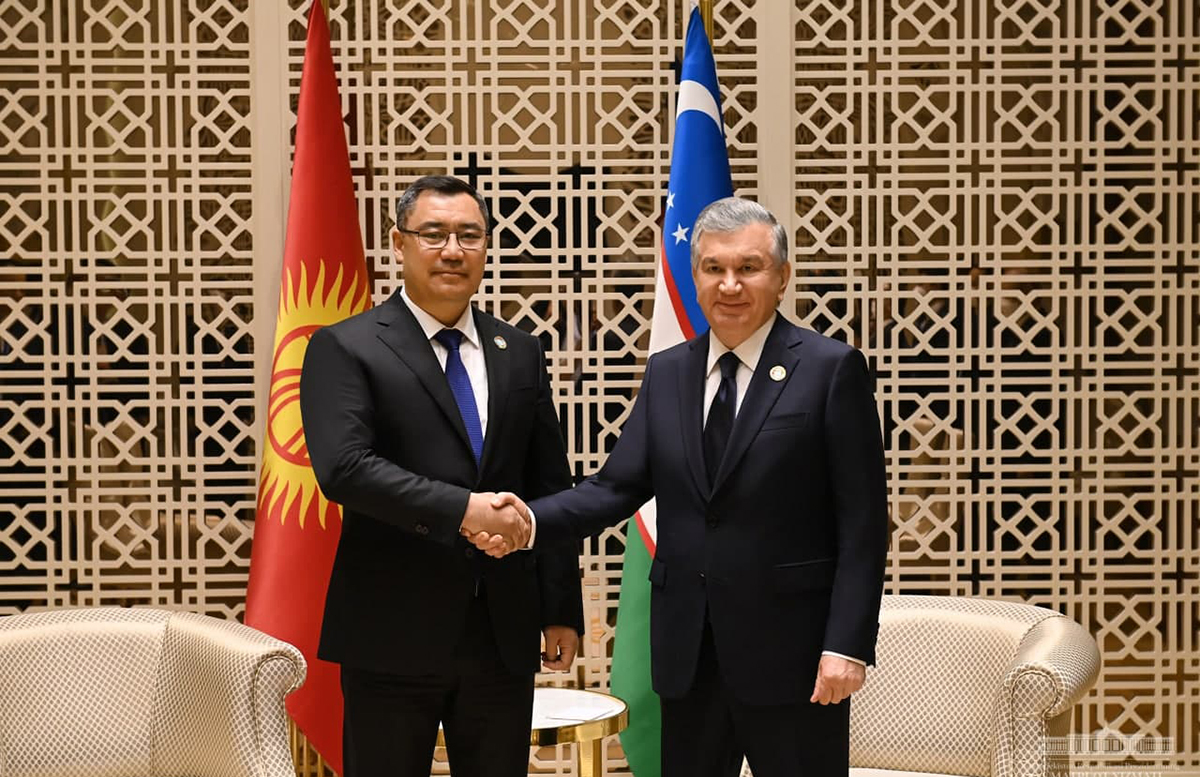 Мирзиёев переговорил с президентом Киргизии