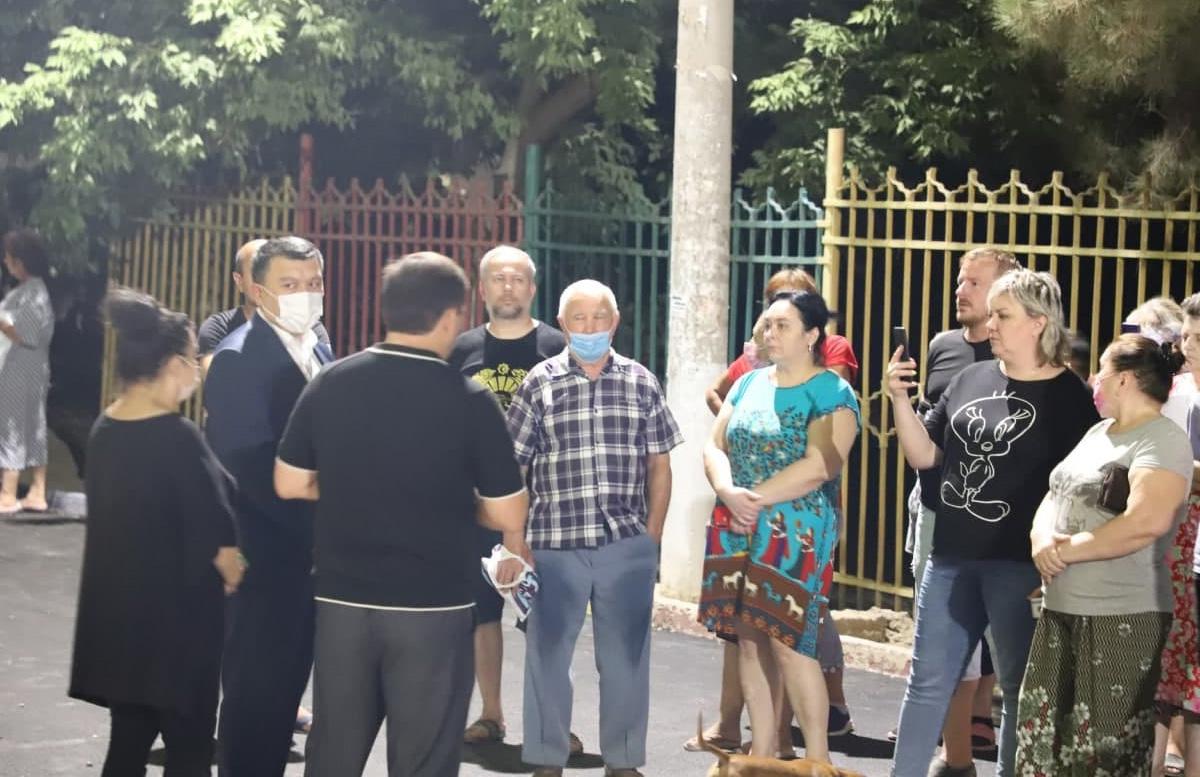 Жители одного из районов Ташкента защитили деревья от незаконного спила — видео