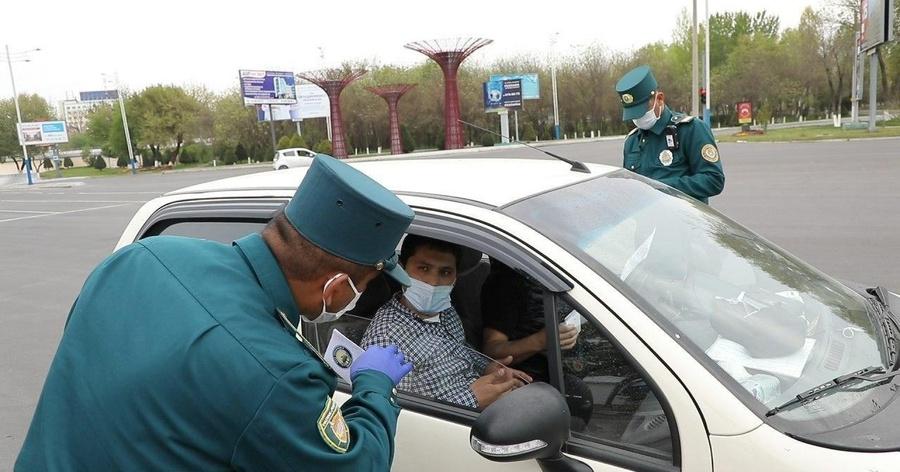 В Узбекистане водителям разрешат пользоваться телефоном во время движения