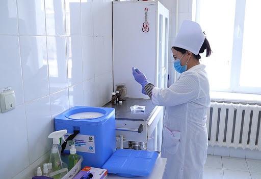 Узбекистанцы снова обновили рекорд по вакцинации — статистика