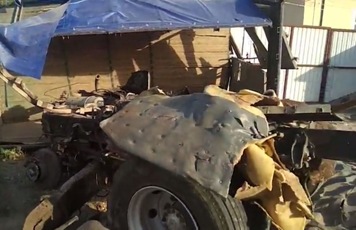 В Сурхандарье поезд «протаранил» грузовик: есть погибший — видео