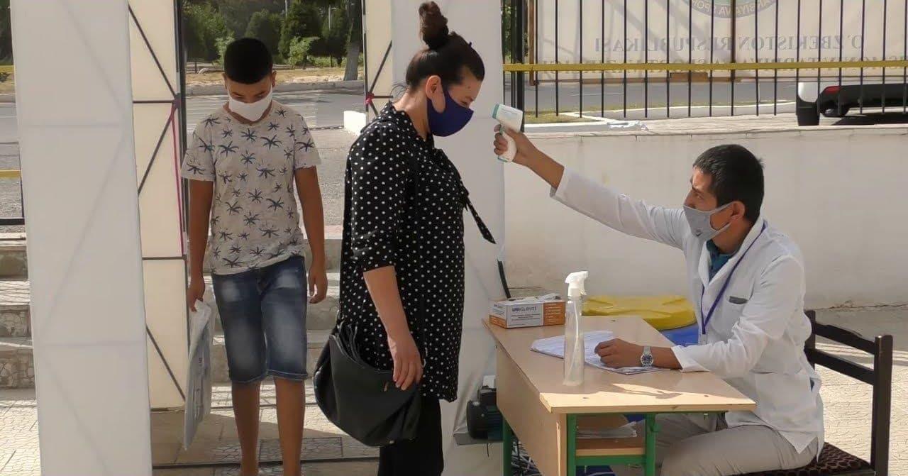 В Узбекистане более 900 человек заразились коронавирусом за сутки — статистика
