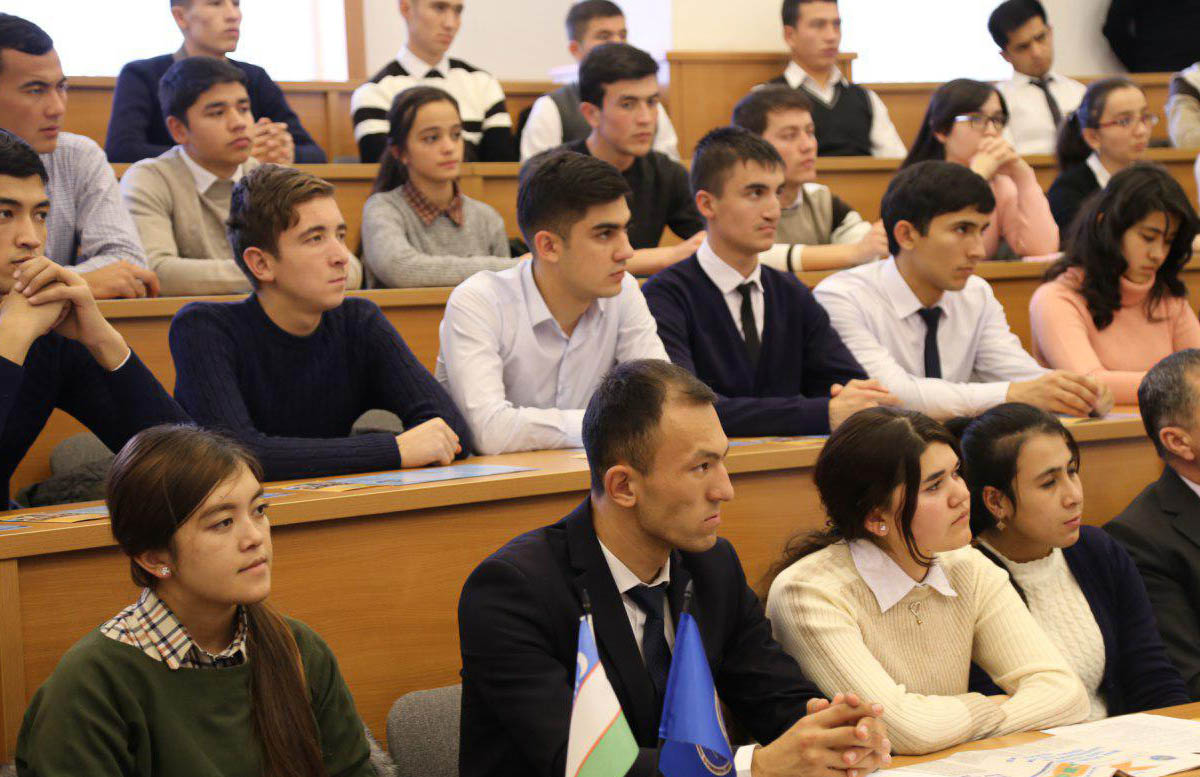 В Узбекистане некоторым студентам увеличат стипендию