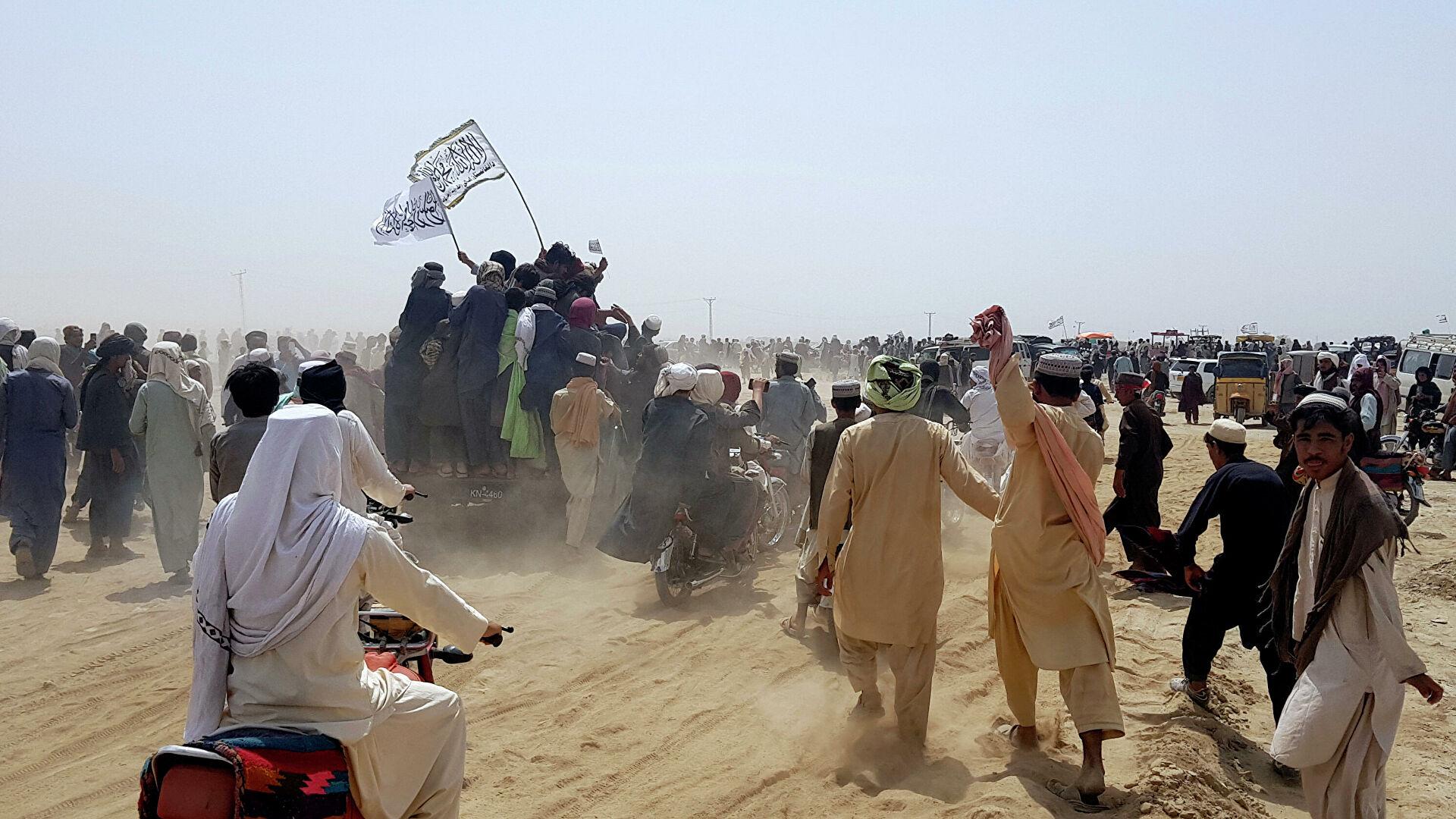 Талибы объявили о взятии второго по размерам афганского города — видео