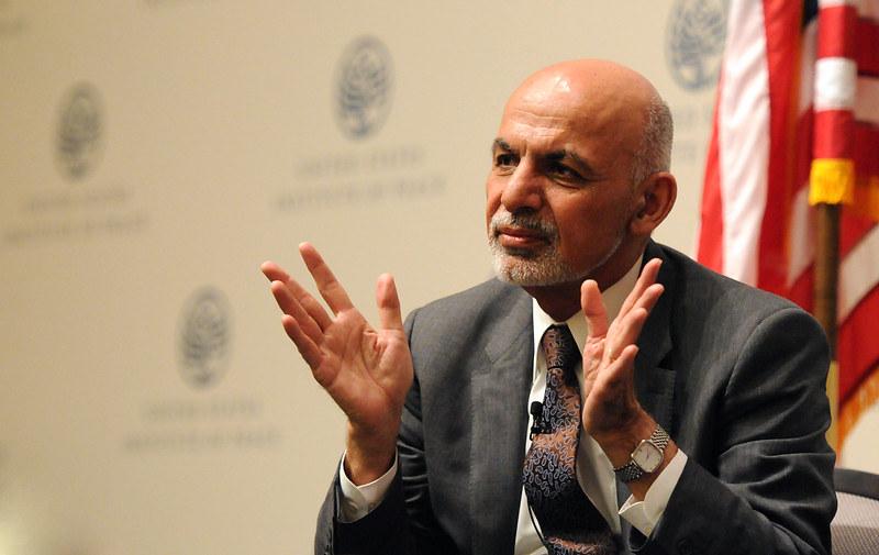 СМИ: Президент Афганистана может обратиться к нации и покинуть страну
