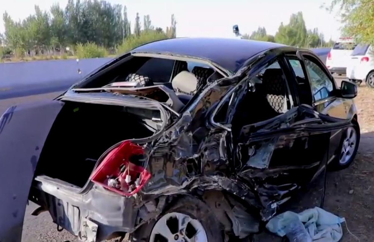 В Кашкадарье Lacetti «впечатался» в грузовик: двое погибли