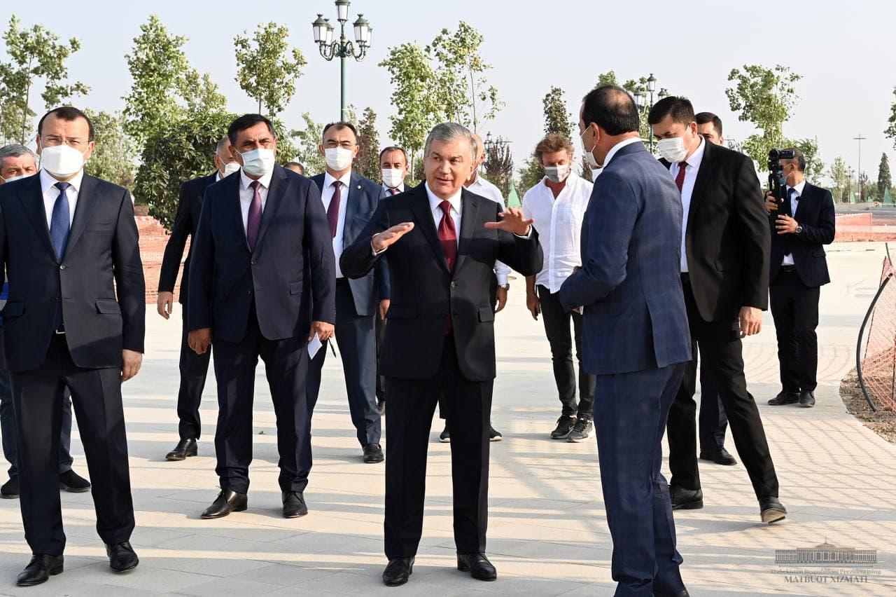 Президент посетил место строительства парка «Новый Узбекистан»