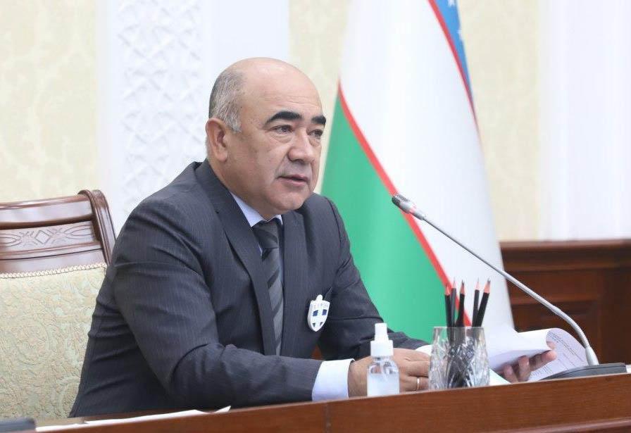 Глава Кашкадарьи раскритиковал районные хокимияты за стоящие заборы вокруг зданий