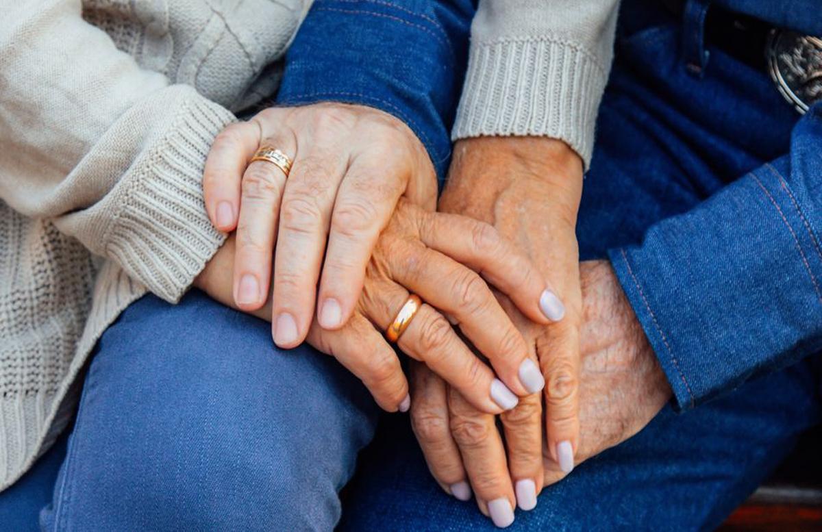 Стало известно, сколько узбекистанок вышло замуж после 60 лет