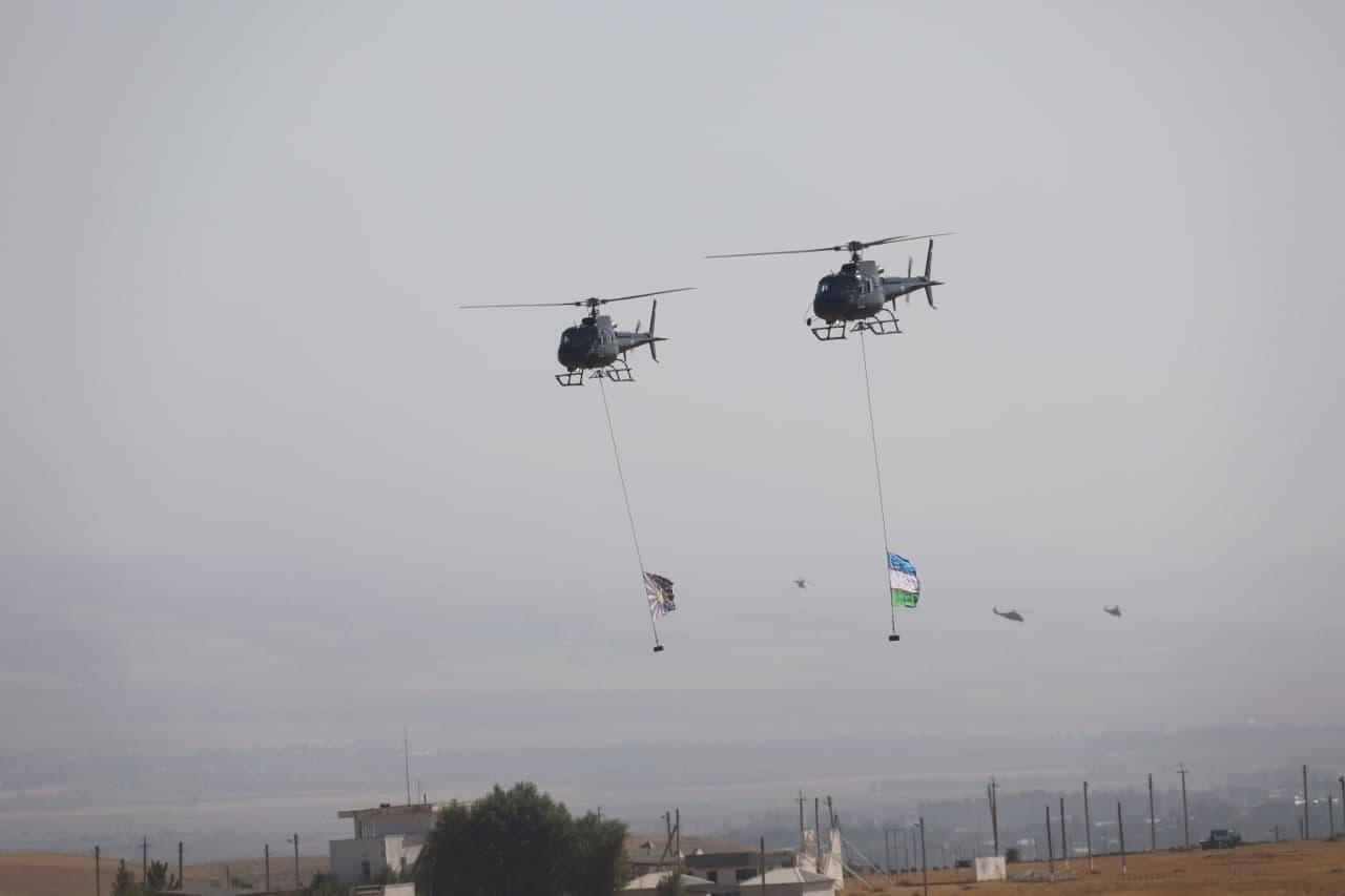 ВВС провели авиашоу в Ташкентской области