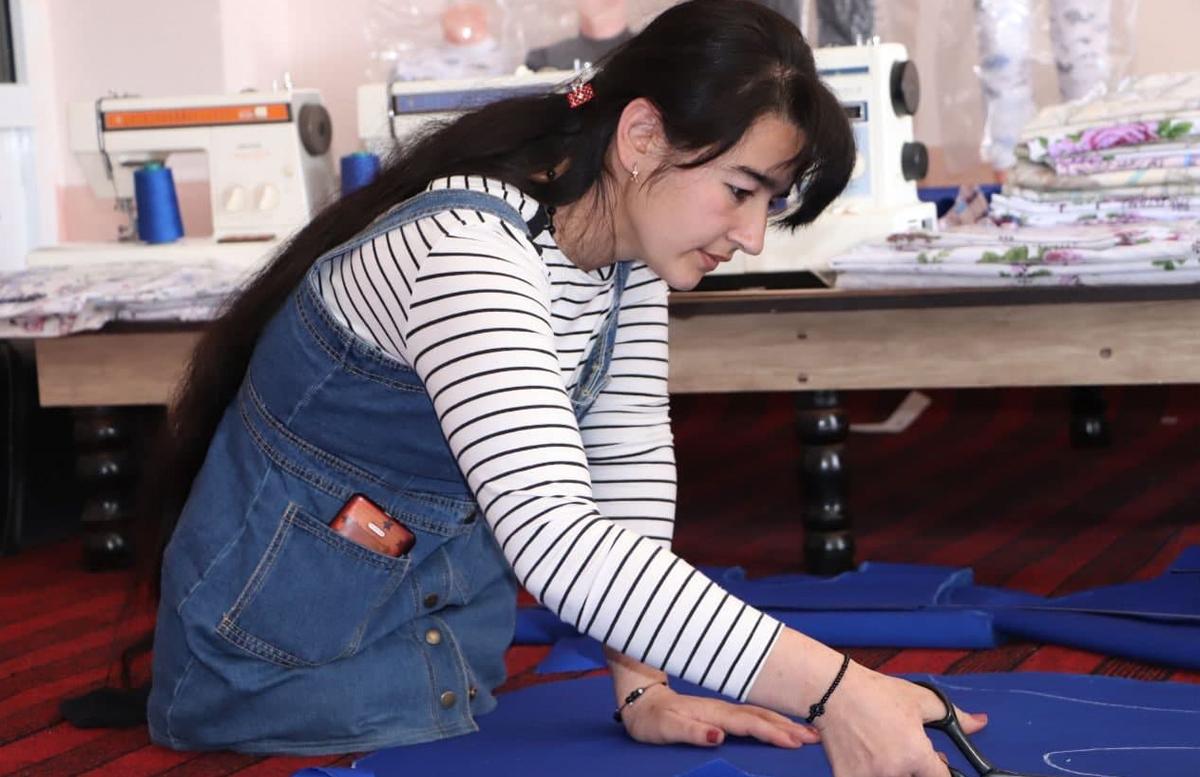 Предпринимательница из Термеза трудоустроила 50 женщин с инвалидностью