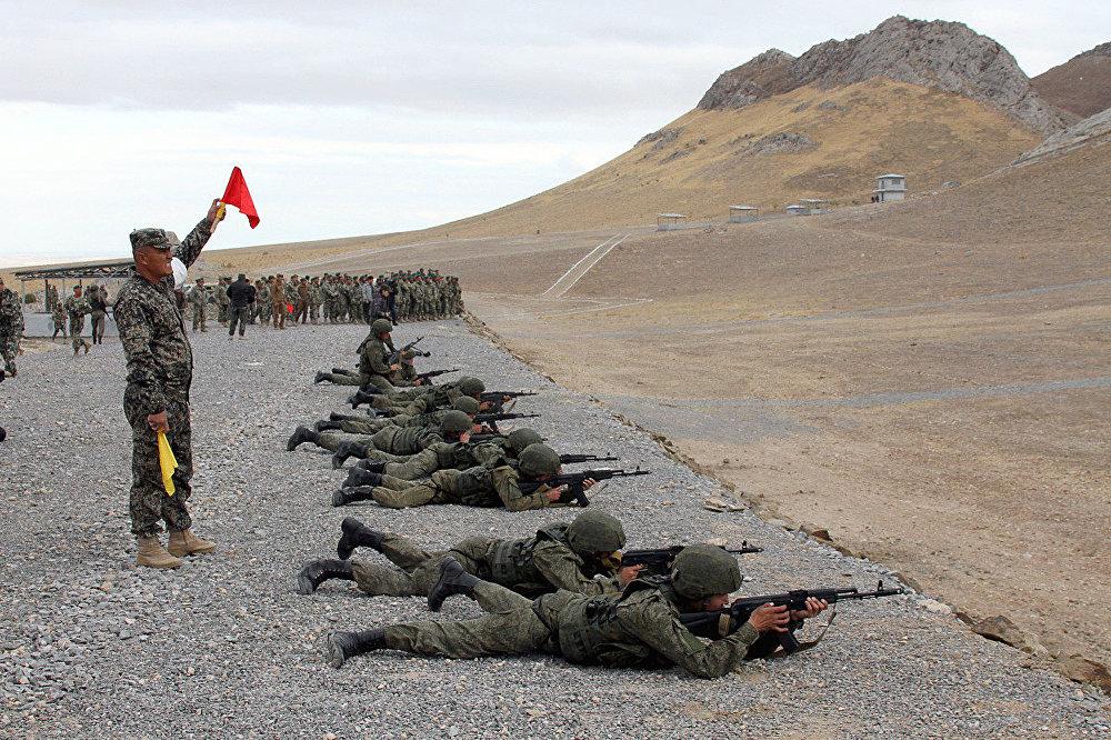 В Навои открыли новые военные учебные полигоны