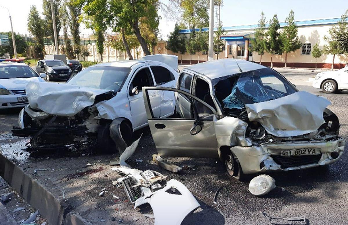 В Чиланзарском районе столицы «впечатались» Matiz и Nexia: есть пострадавшие