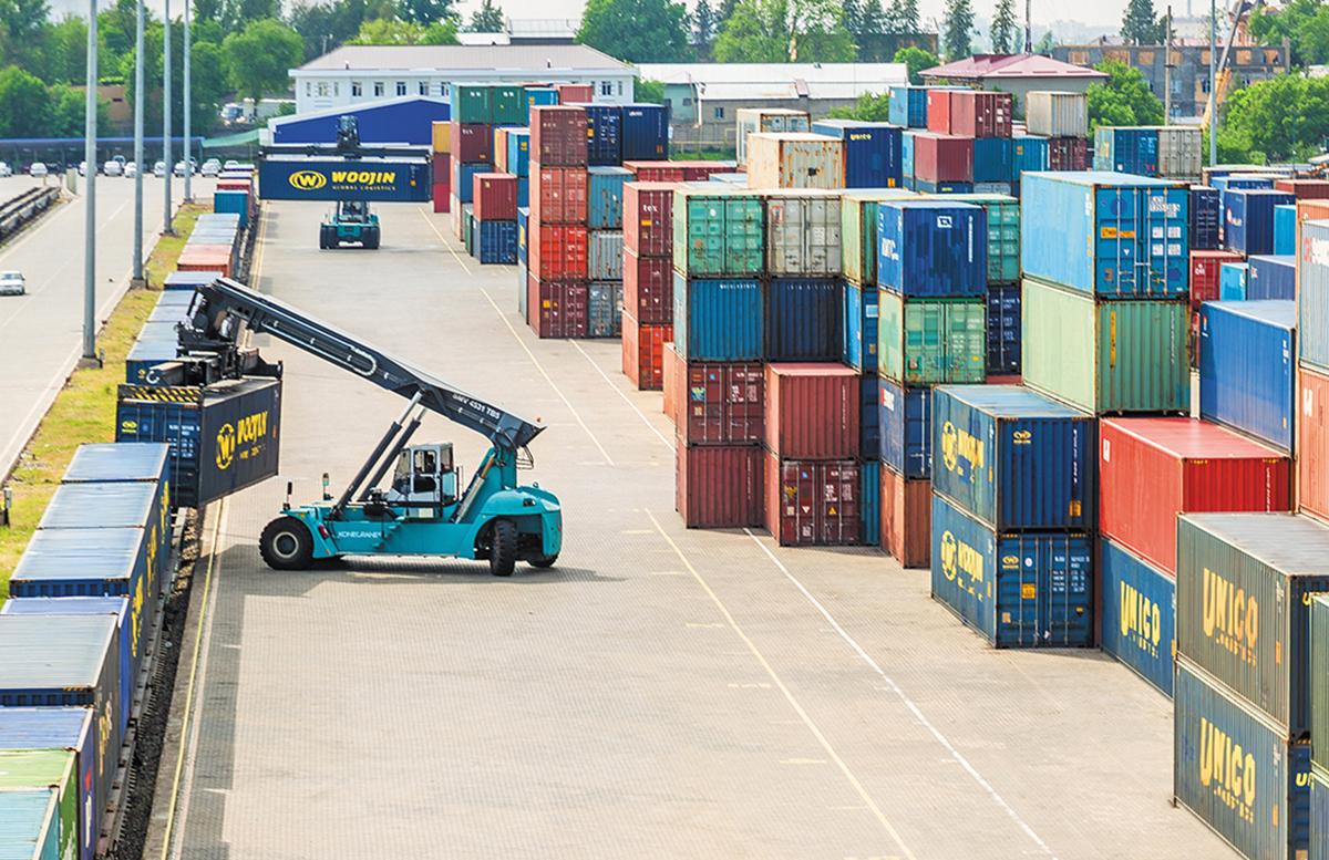 Узбекистанцам рассказали куда чаще всего экспортируются товары