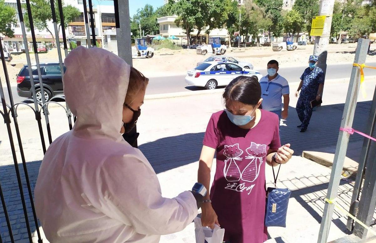 В Узбекистане зафиксировали 863 новых случая заражения коронавирусом