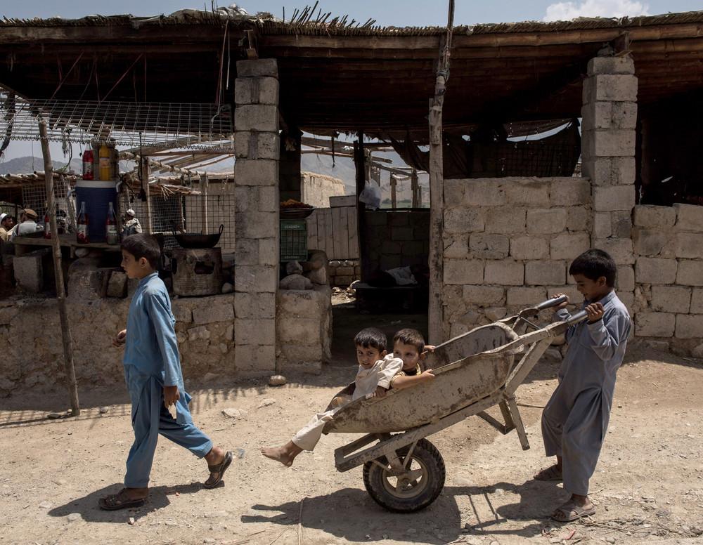 Талибы попросили ООН не покидать Афганистан
