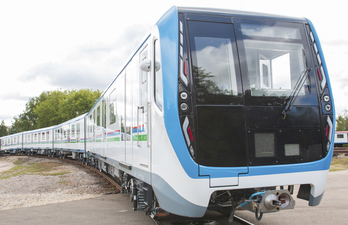 В России состоялась церемония отправки 20 новых вагонов для ташкентского метро