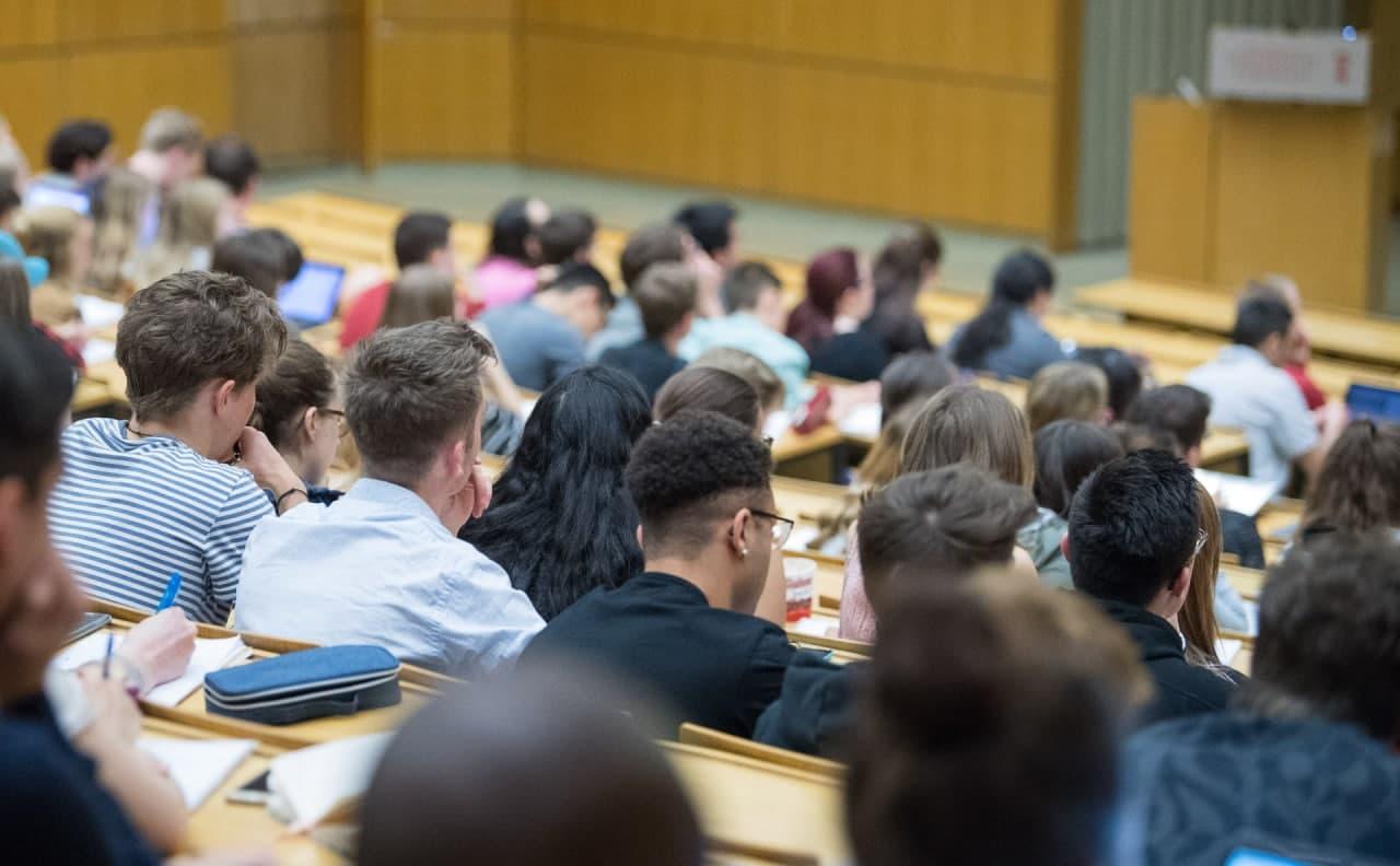 Россия разрешит въезд для иностранных студентов