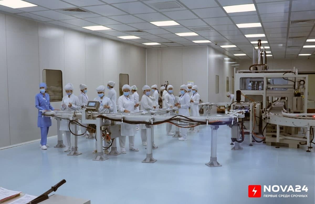 В Узбекистане одобрили госрегистрацию производимых в стране вакцин ZF-UZ-VAC 2001 и «Спутник V»