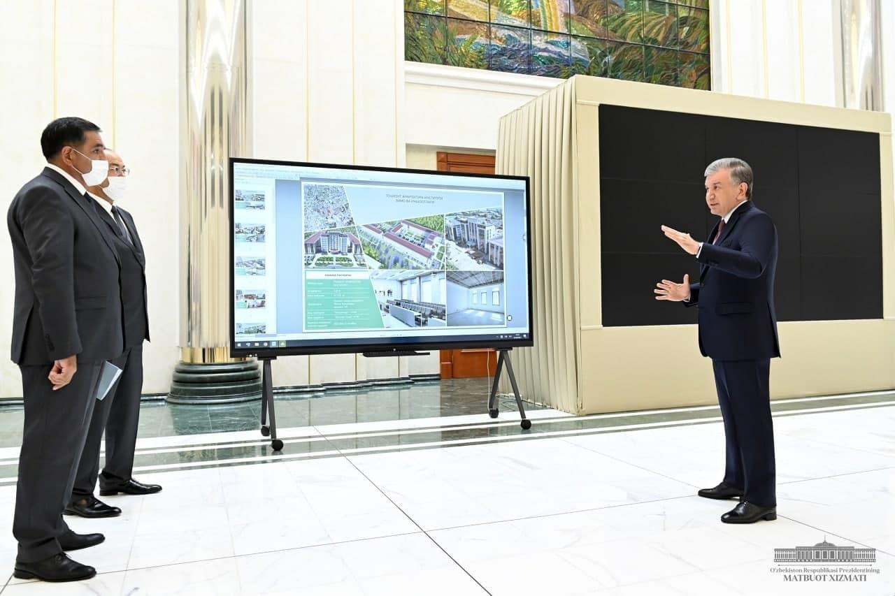 Президенту презентовали планы по застройке и благоустройству столицы и Ташобласти