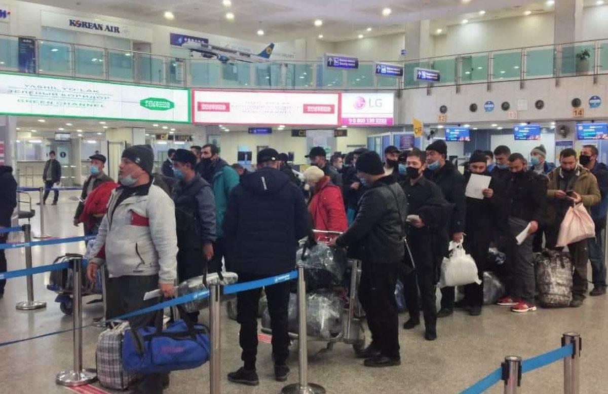 Стало известно, примет ли Россия непривитых узбекистанцев