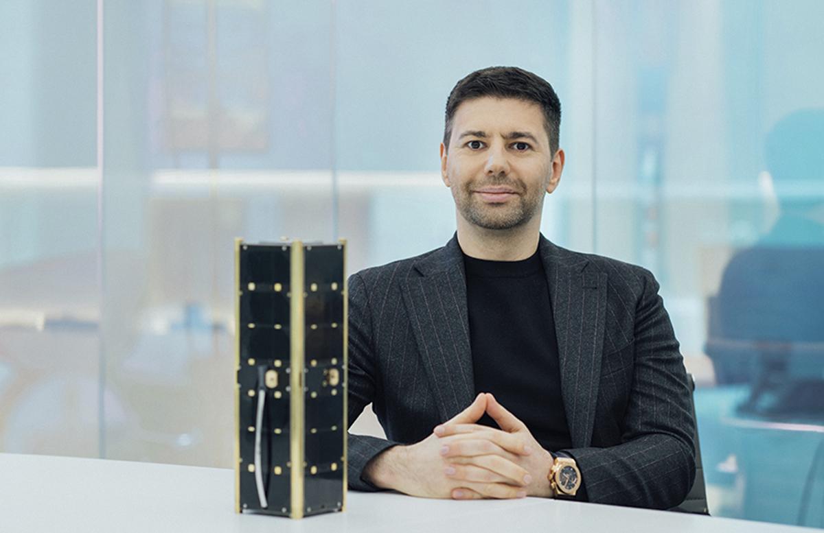 Уроженец Узбекистана основал компанию, которая запустит спутники на ракетах Илона Маска