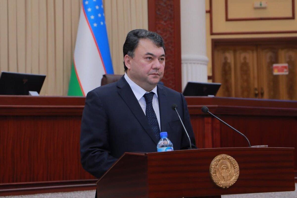 Шавкат Мирзиёев освободил от должности председателя Госкомэкологии Алишера Максудова